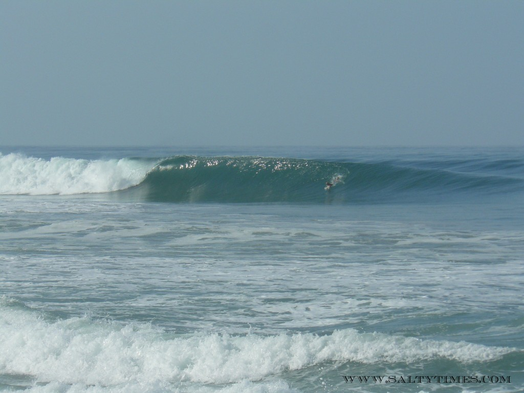 costa rica wave salty times